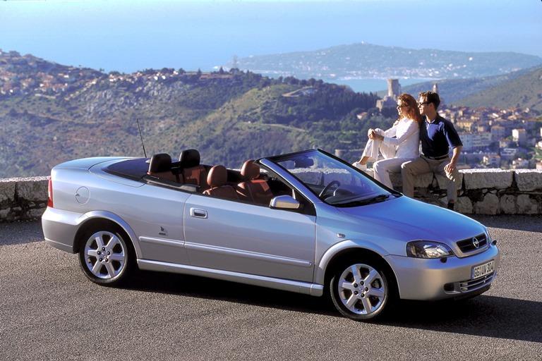 Renault 16: l'auto da vivere insieme - image 2001-Opel-Astra-G-Cabrio- on http://auto.motori.net