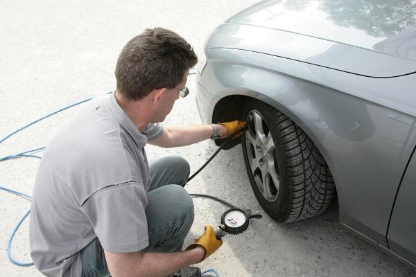Golf TSI BlueMotion: si accontenta di 4,3 l/100 km - image Controlli-sulla-sicurezza on http://auto.motori.net