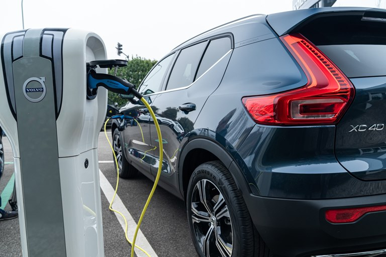"Perché Nissan dice no al ""tablet"" - image Volvo_XC40_Plug-In_Hybrid on http://auto.motori.net"