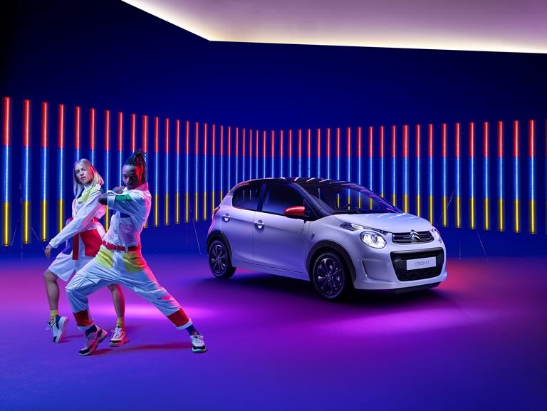 Audi e-tron Bridge: l'accesso flessibile alla mobilità elettrica - image INSPIRED-BY-JEAN-CHARLES-DE-CALTELBAJAC-LA-SERIE-SPECIALE-CITROEN-C1-JCC2 on http://auto.motori.net