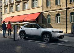 Iniziata la produzione della MX-30, la prima auto elettrica Mazda