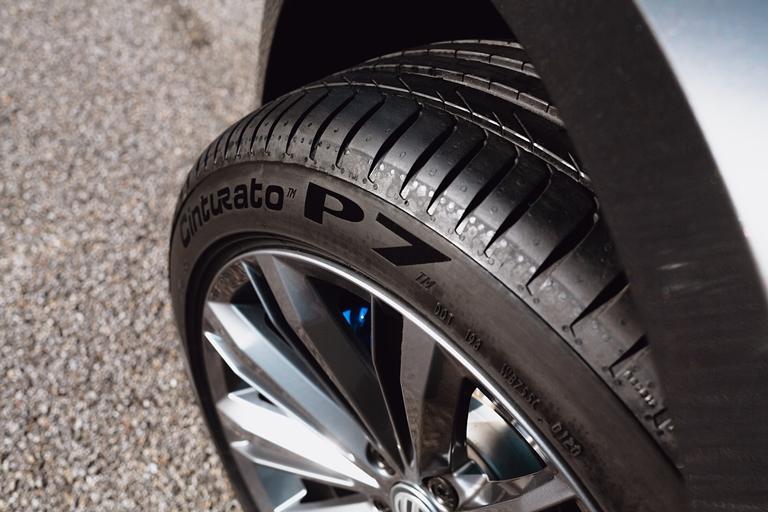 Dacia Duster:  tanto a poco - image Pirelli-CinturatoP7 on http://auto.motori.net