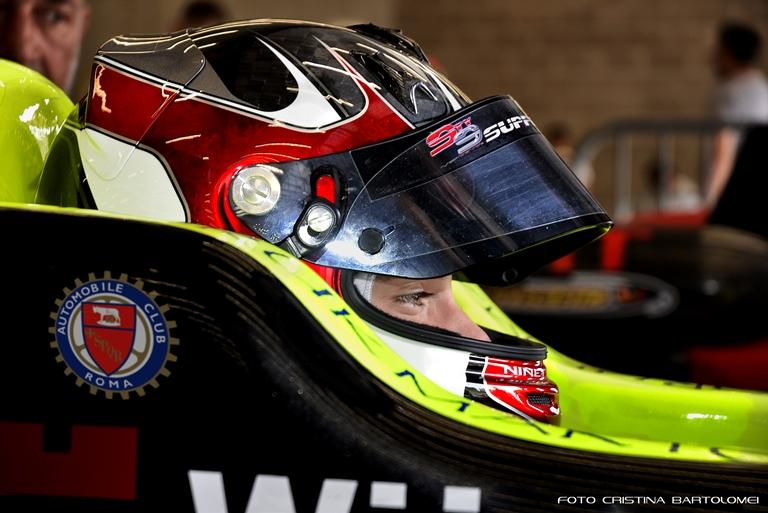 Toyo Tires presenta la sua nuova immagine - image Andrea-Cola-AC-Roma on http://auto.motori.net
