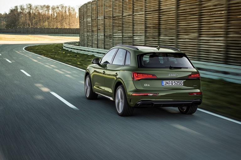 Nuova generazione di gruppi ottici Audi con tecnologia OLED - image Audi-Q5 on http://auto.motori.net