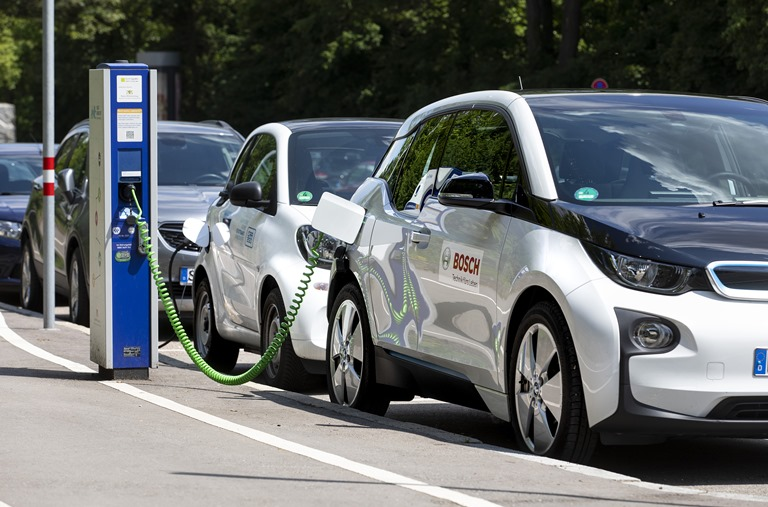 150.000 stazioni di ricarica Bosch in tutta Europa - image battery-in-the-cloud-bosch on http://auto.motori.net