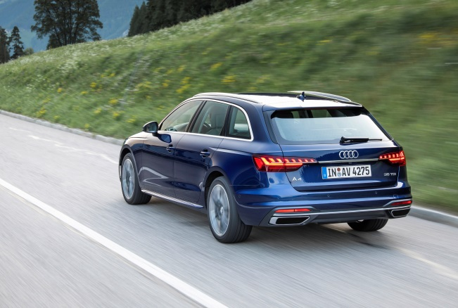Sicurezza in primo piano: 25 anni fa Opel Vectra precorse i tempi - image Audi-A4-Avant on http://auto.motori.net