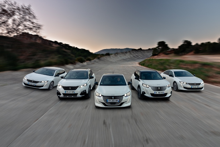 Auto e infrastrutture lavorano insieme nella guida autonoma urbana - image COBONUS-PEUGEOT on http://auto.motori.net