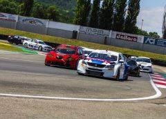 La nuova Peugeot 308 TCR debutta in Italia e vince subito