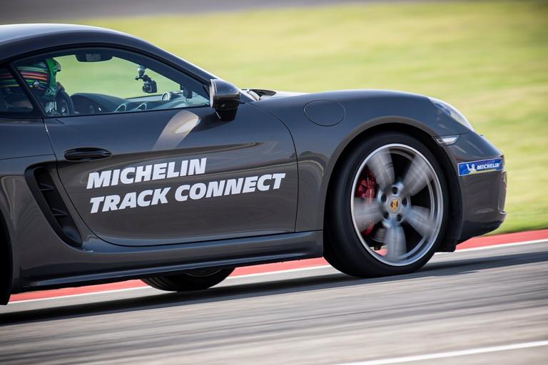 Perché è importante la corretta pressione di gonfiaggio dei pneumatici - image porsche-experience-michelincup-209-20200716121124956-20200716121640 on http://auto.motori.net