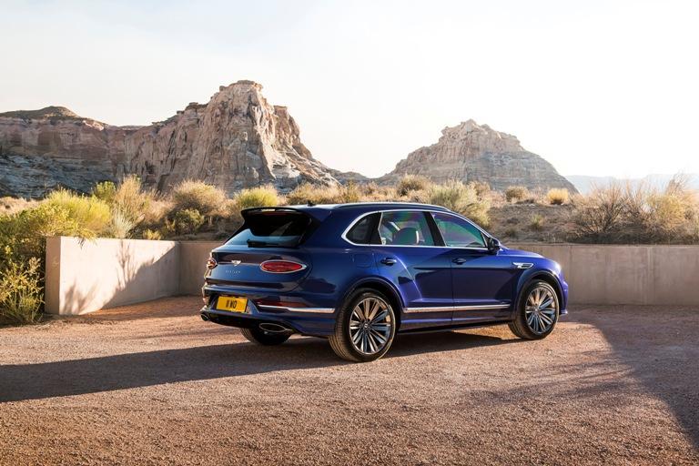 Bentley, interni adatti a ogni cliente - image Bentayga-Speed-9 on http://auto.motori.net