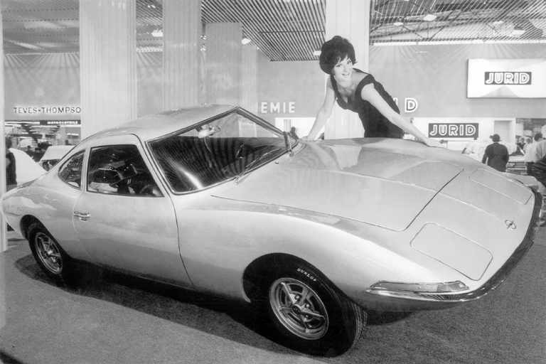"""""""Il Codice della Strada si muove nella direzione sbagliata"""" - image 1965-IAA-xperimental-GT-2- on http://auto.motori.net"""