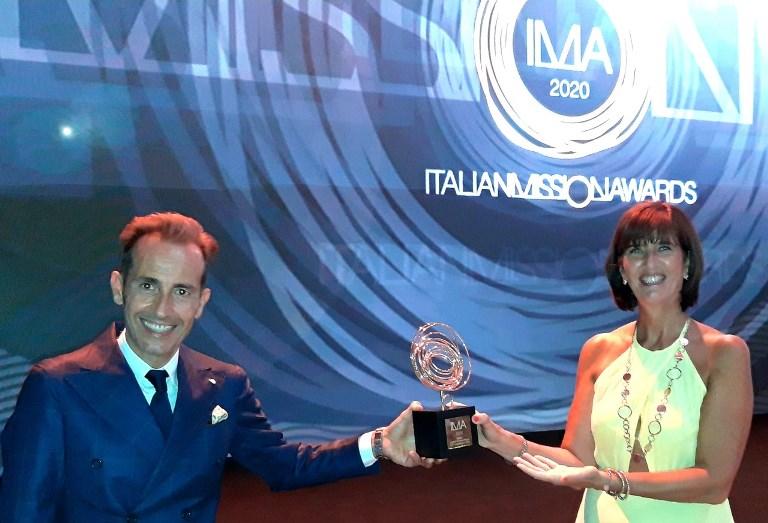 Suzuki Swace arriva in Europa - image Archiapatti-ritiro-premio-IMA on http://auto.motori.net