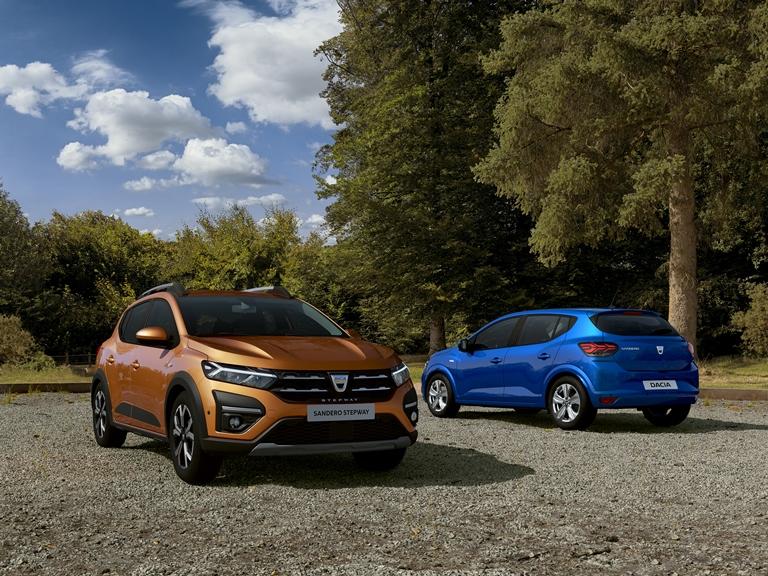 Dacia ridefinisce l'auto essenziale e contemporanea - image Sandero on http://auto.motori.net
