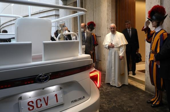 Porsche Taycan entra nel Guinness dei Primati - image 6a70c52c-16db-68f8-aefc-66c1c6e008da on http://auto.motori.net