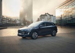 Oltre 1.000 km di autonomia con Ford Kuga Hybrid