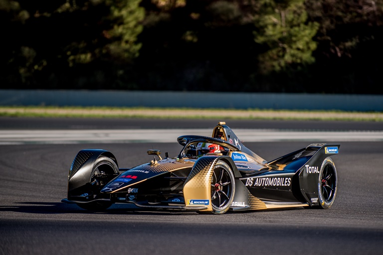 Colori Mazda: una storia di forme in movimento - image DS-TECHEETAH_2 on http://auto.motori.net