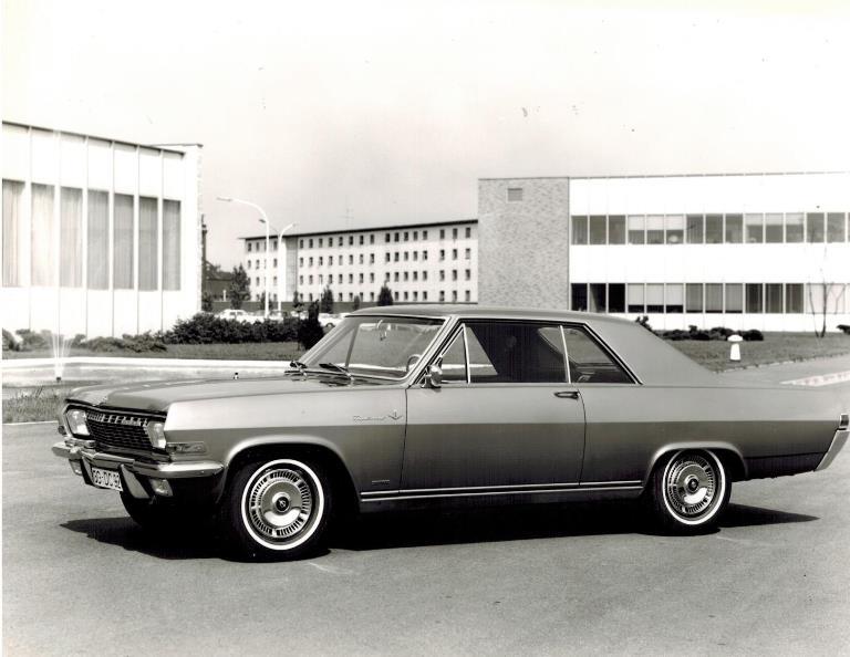 Con la piattaforma E-GMP comincia l'era elettrica di Hyundai - image 1965-Opel-Diplomat-V8-Coupè-1 on http://auto.motori.net
