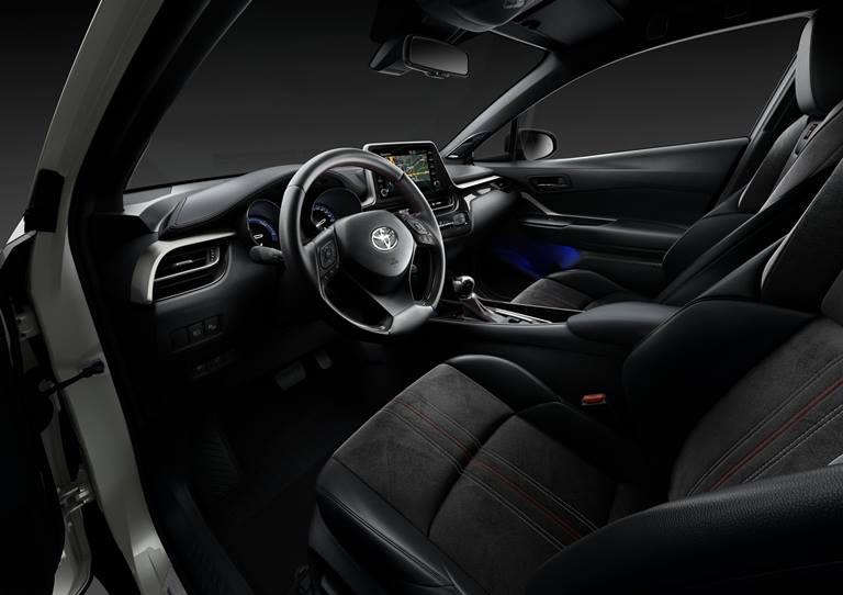 Auto aziendali nel 2021: meno benzina e Diesel, più ibridi - image Alcantara-e-Toyota-_-C-HR-GR-SPORT on http://auto.motori.net