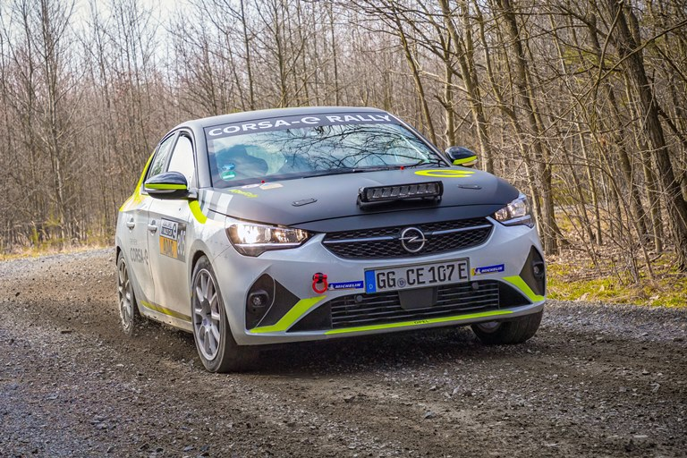 Hella lancia il battery management system a bassa tensione - image Opel-Corsa-e-Rally on http://auto.motori.net