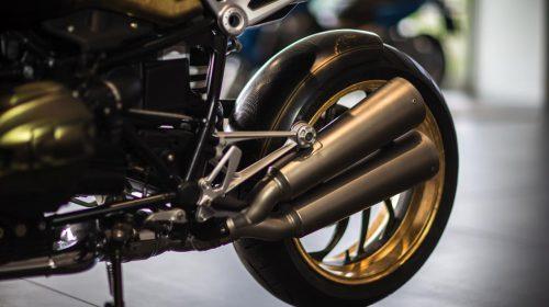BMW R nineT si veste di tatuaggi - image 001292-000022192-500x280 on http://moto.motori.net