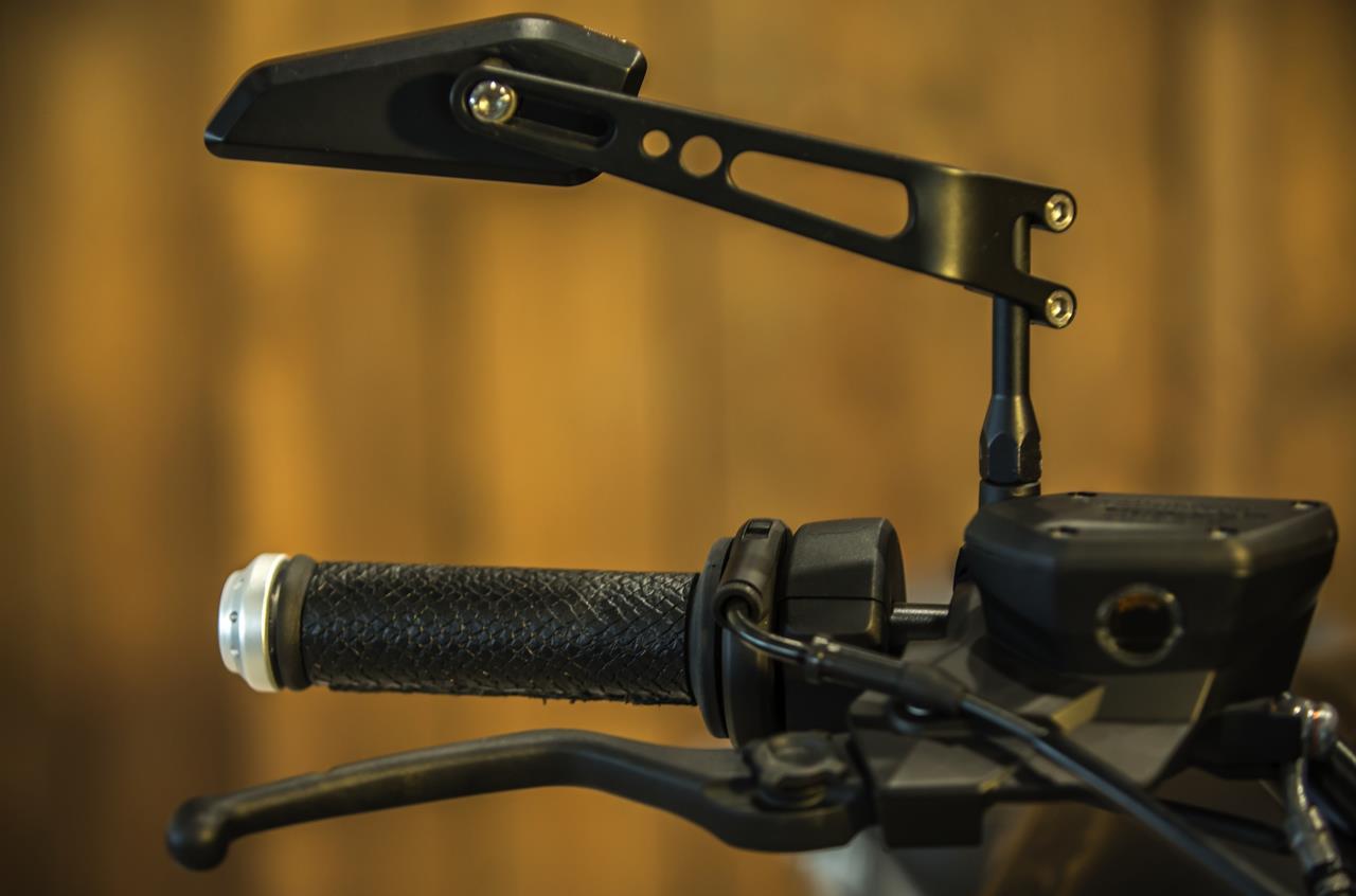 BMW R nineT si veste di tatuaggi - image 001292-000022194 on http://moto.motori.net