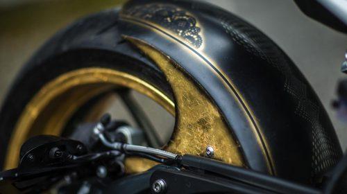 BMW R nineT si veste di tatuaggi - image 001292-000022196-500x280 on http://moto.motori.net
