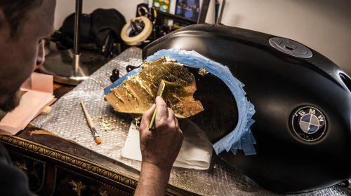 BMW R nineT si veste di tatuaggi - image 001292-000022203-500x280 on http://moto.motori.net