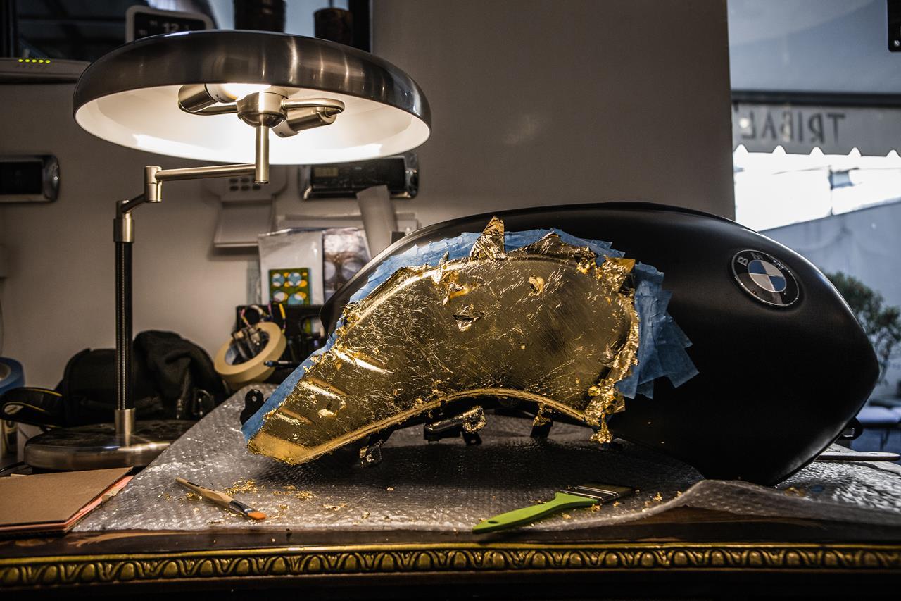 BMW R nineT si veste di tatuaggi - image 001292-000022204 on http://moto.motori.net