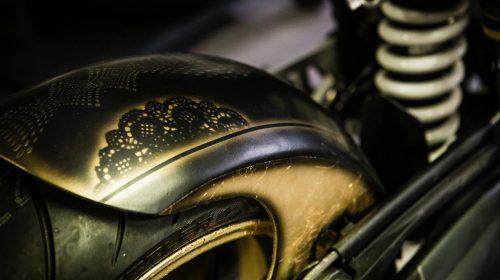 BMW R nineT si veste di tatuaggi - image 001292-000022206-500x280 on http://moto.motori.net