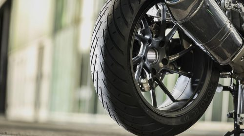 METZELER presenta a il nuovo pneumatico Sport Touring Radiale ROADTEC 01 - image 009444-000103821-500x280 on http://moto.motori.net