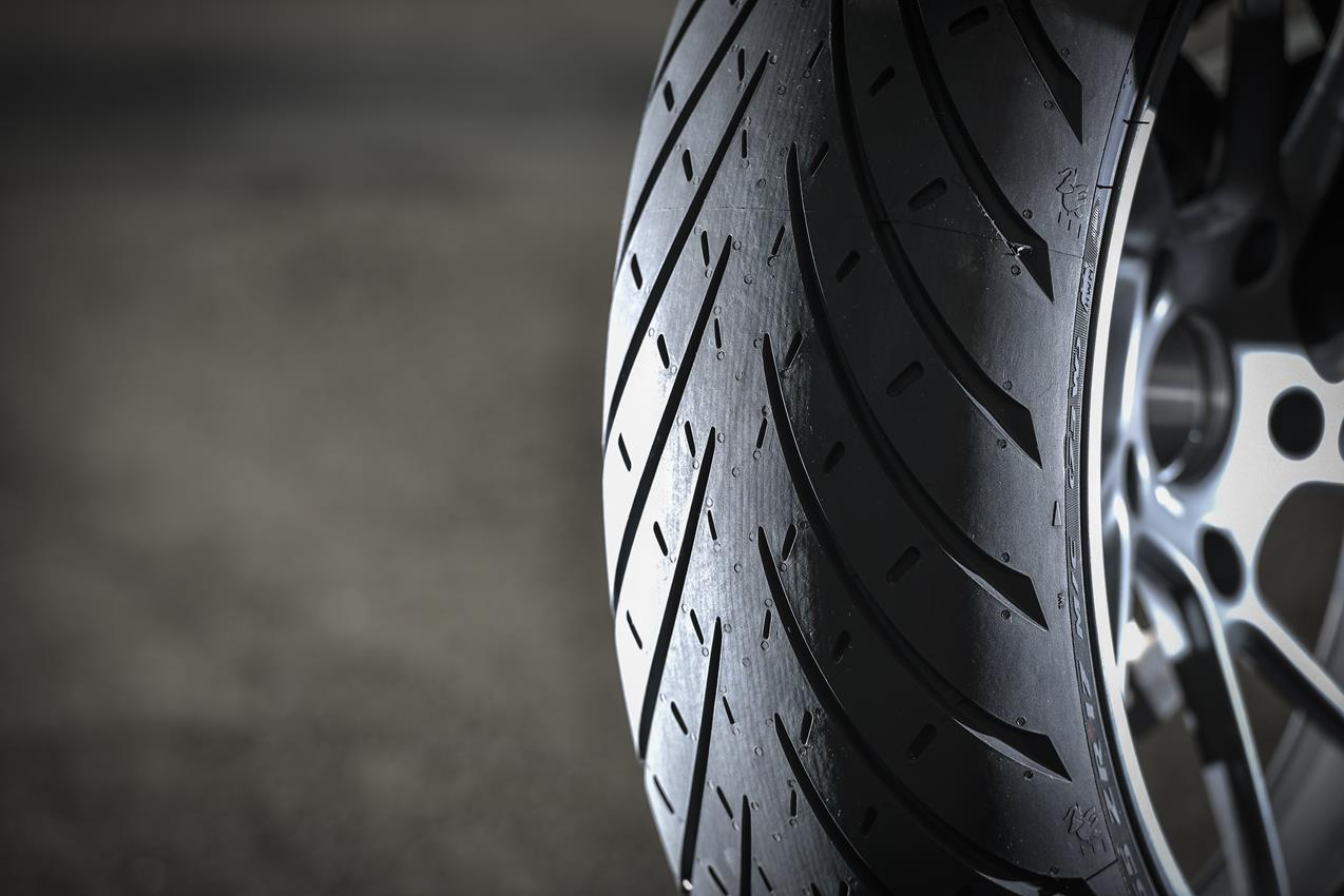 METZELER presenta a il nuovo pneumatico Sport Touring Radiale ROADTEC 01 - image 009444-000103822 on http://moto.motori.net