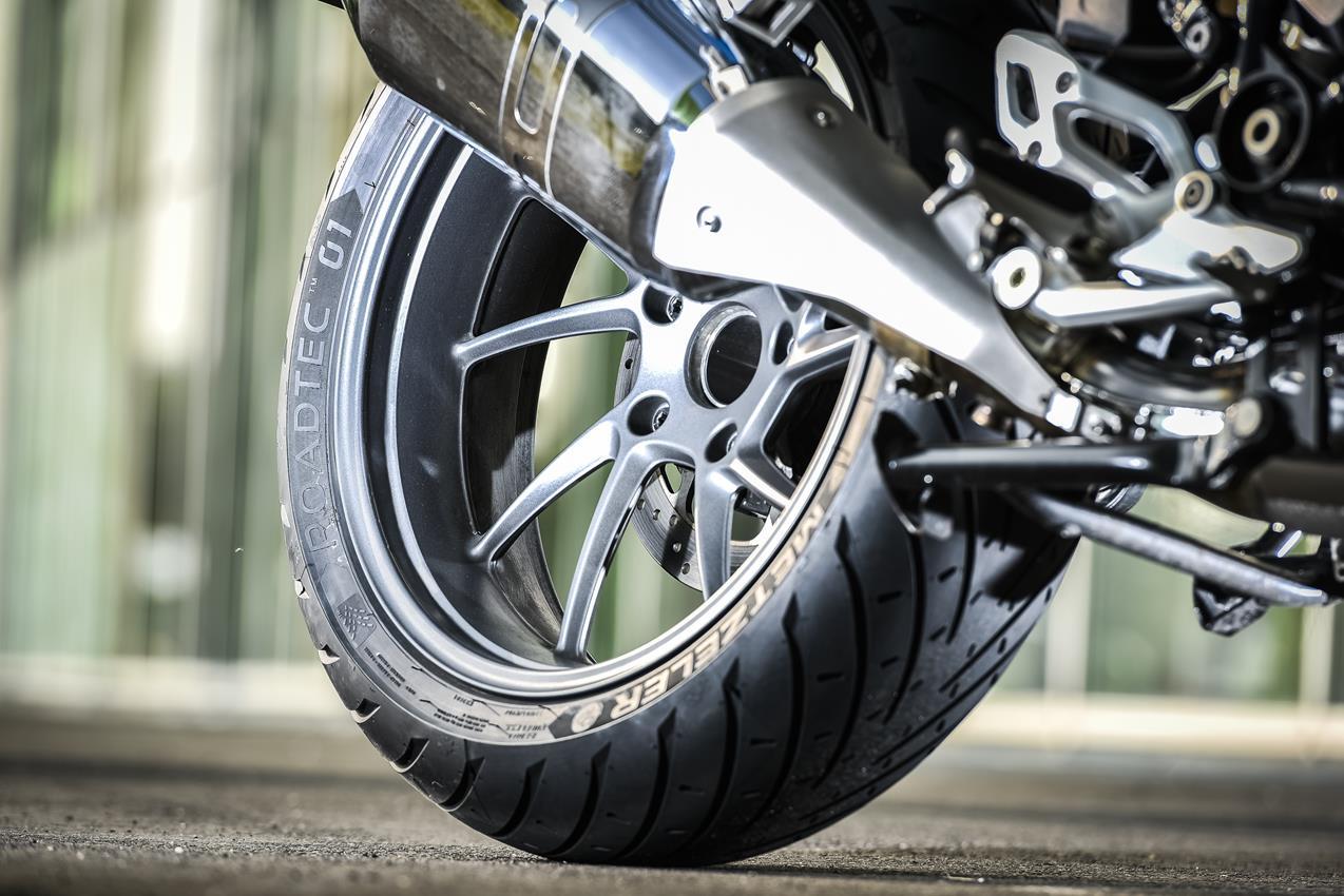 METZELER presenta a il nuovo pneumatico Sport Touring Radiale ROADTEC 01 - image 009444-000103823 on http://moto.motori.net