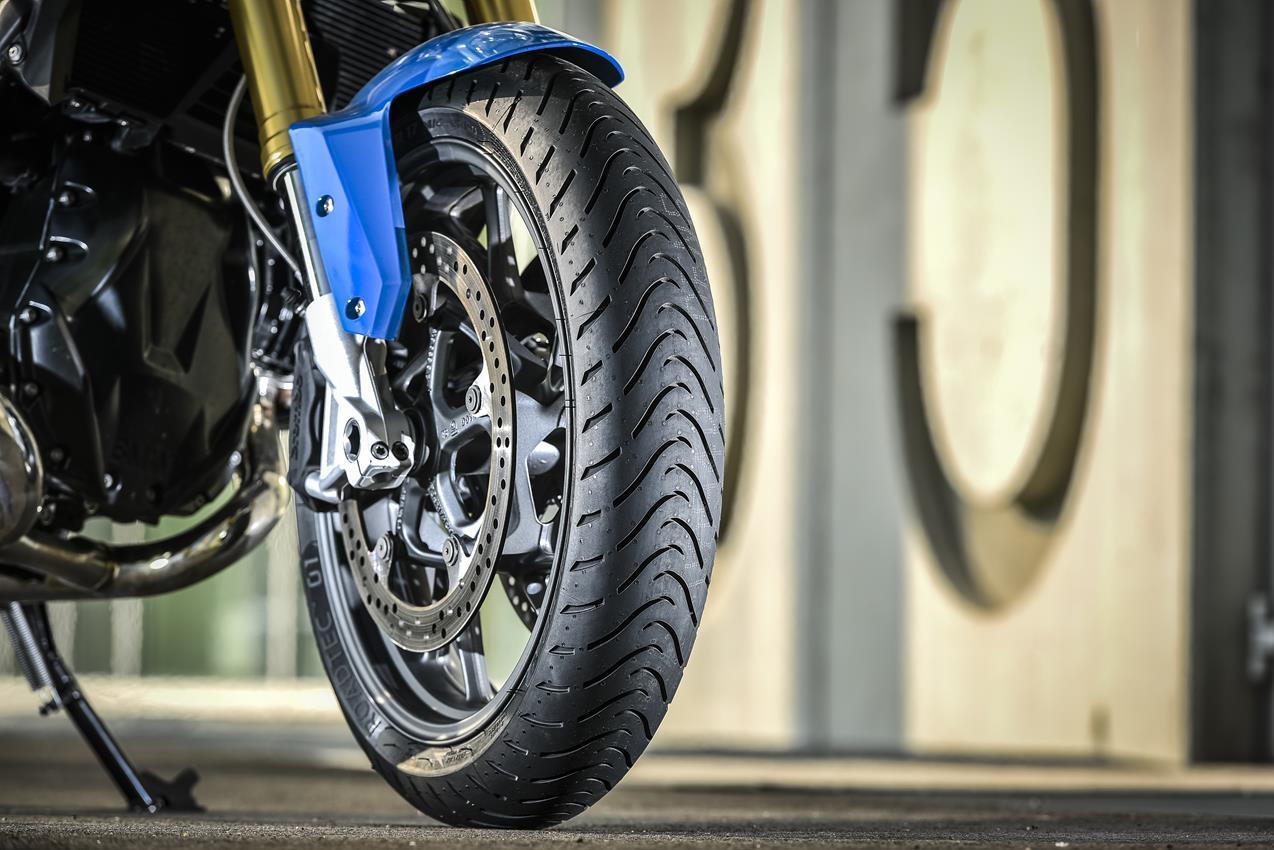 METZELER presenta a il nuovo pneumatico Sport Touring Radiale ROADTEC 01 - image 009444-000103825 on http://moto.motori.net