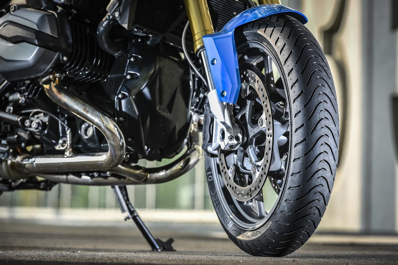 METZELER presenta a il nuovo pneumatico Sport Touring Radiale ROADTEC 01 - image 009444-000103827 on http://moto.motori.net