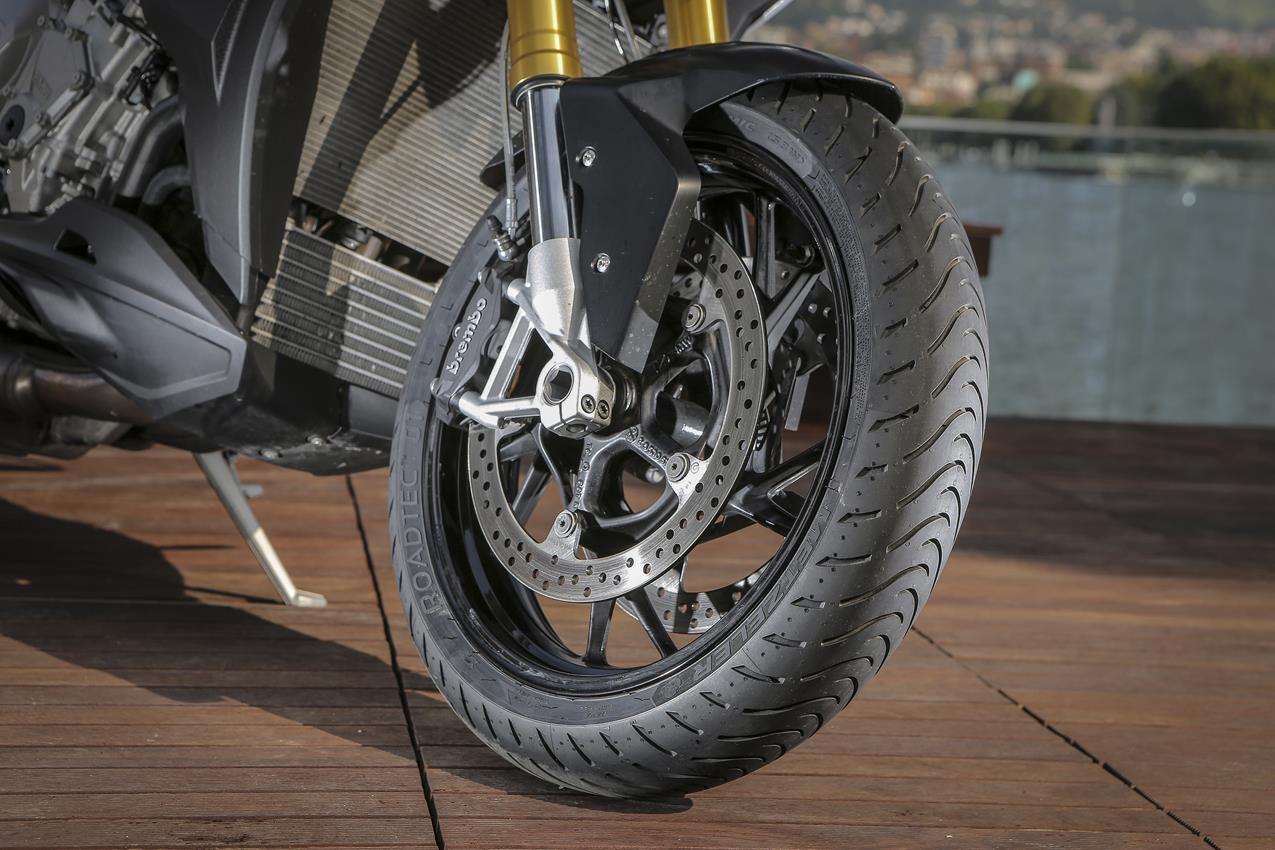 METZELER presenta a il nuovo pneumatico Sport Touring Radiale ROADTEC 01 - image 009444-000103828 on http://moto.motori.net