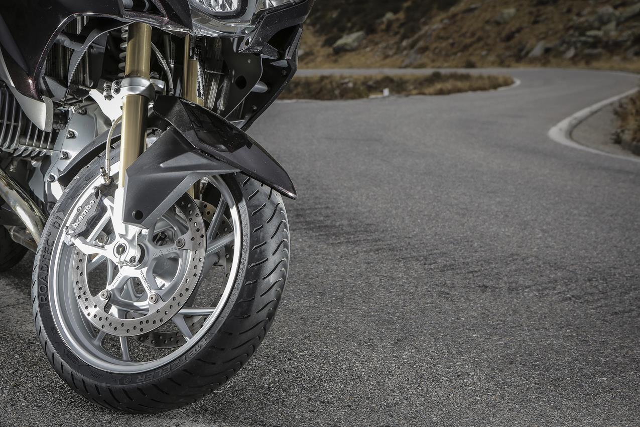 METZELER presenta a il nuovo pneumatico Sport Touring Radiale ROADTEC 01 - image 009444-000103833 on http://moto.motori.net