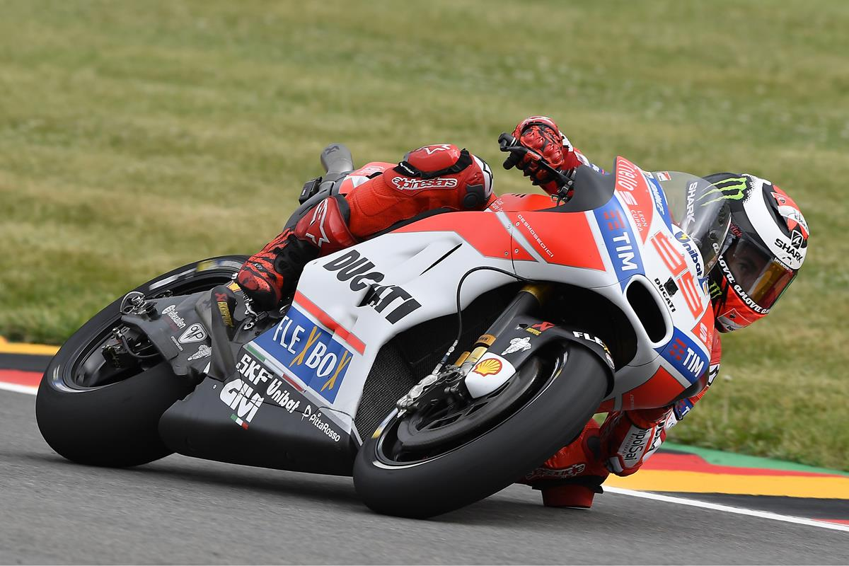 GP di Germania: ottavo Andrea Dovizioso, undicesimo Jorge Lorenzo - image 009552-000104775 on http://moto.motori.net