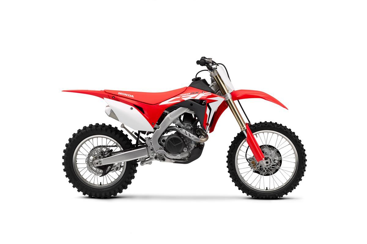 Honda PCX 125 - 2018 - image 009540-000104699 on http://moto.motori.net