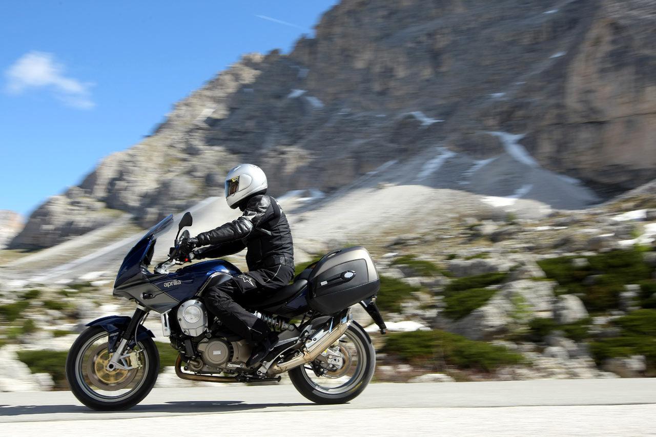 Listino Aprilia RSV4 R ABS SuperBike 1000 - image 14304_aprilia-mana850-gt-abs on http://moto.motori.net