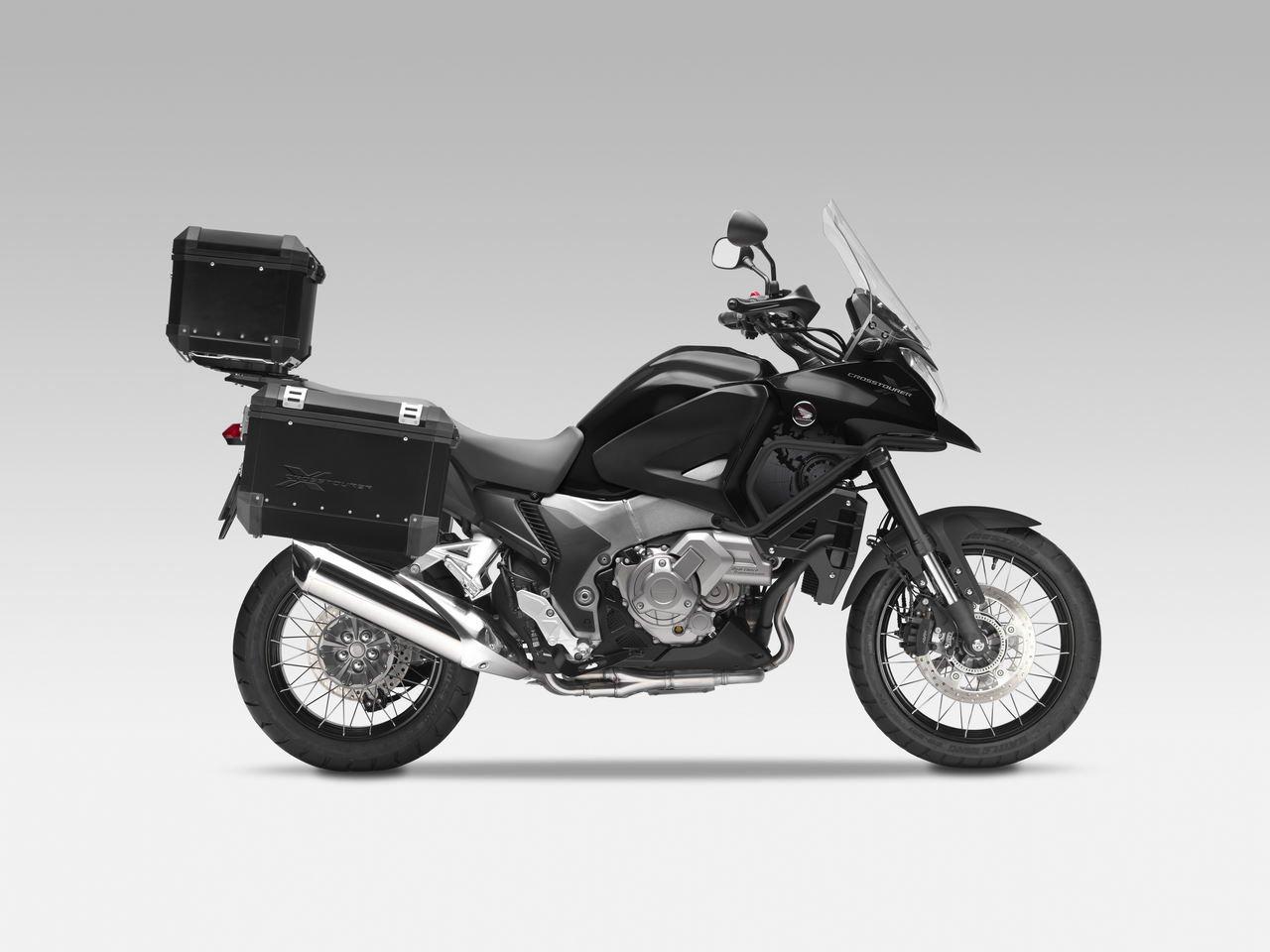 Listino Honda Integra 750 ABSS Scooter oltre 300 - image 14674_honda-crosstourerabs-dct-le on http://moto.motori.net