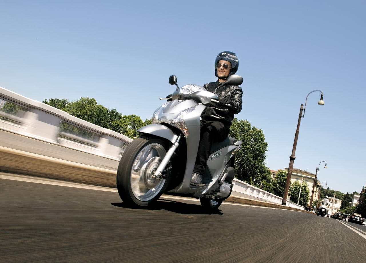 Listino Honda Crosstourer ABS DCT Granturismo on-off - image 14697_honda-sh125iabs on http://moto.motori.net