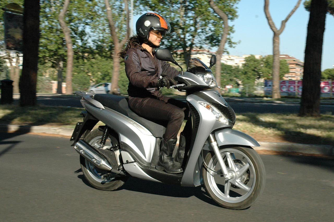 Listino Honda CB 650 F Naked Media - image 14703_honda-sh125i on http://moto.motori.net