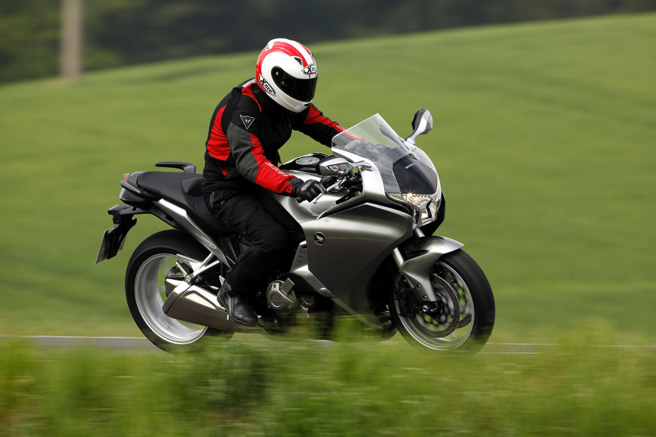 Listino Honda Crosstourer ABS DCT Granturismo on-off - image 14740_honda-vfr1200fabs-dct on http://moto.motori.net