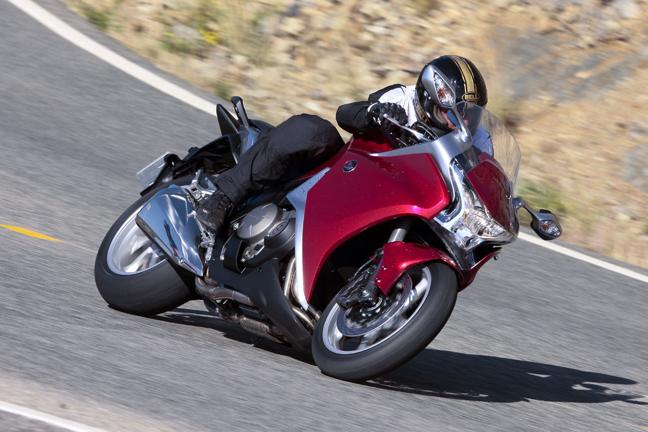 Listino Honda Crosstourer ABS Granturismo on-off - image 14741_honda-vfr1200fabs on http://moto.motori.net