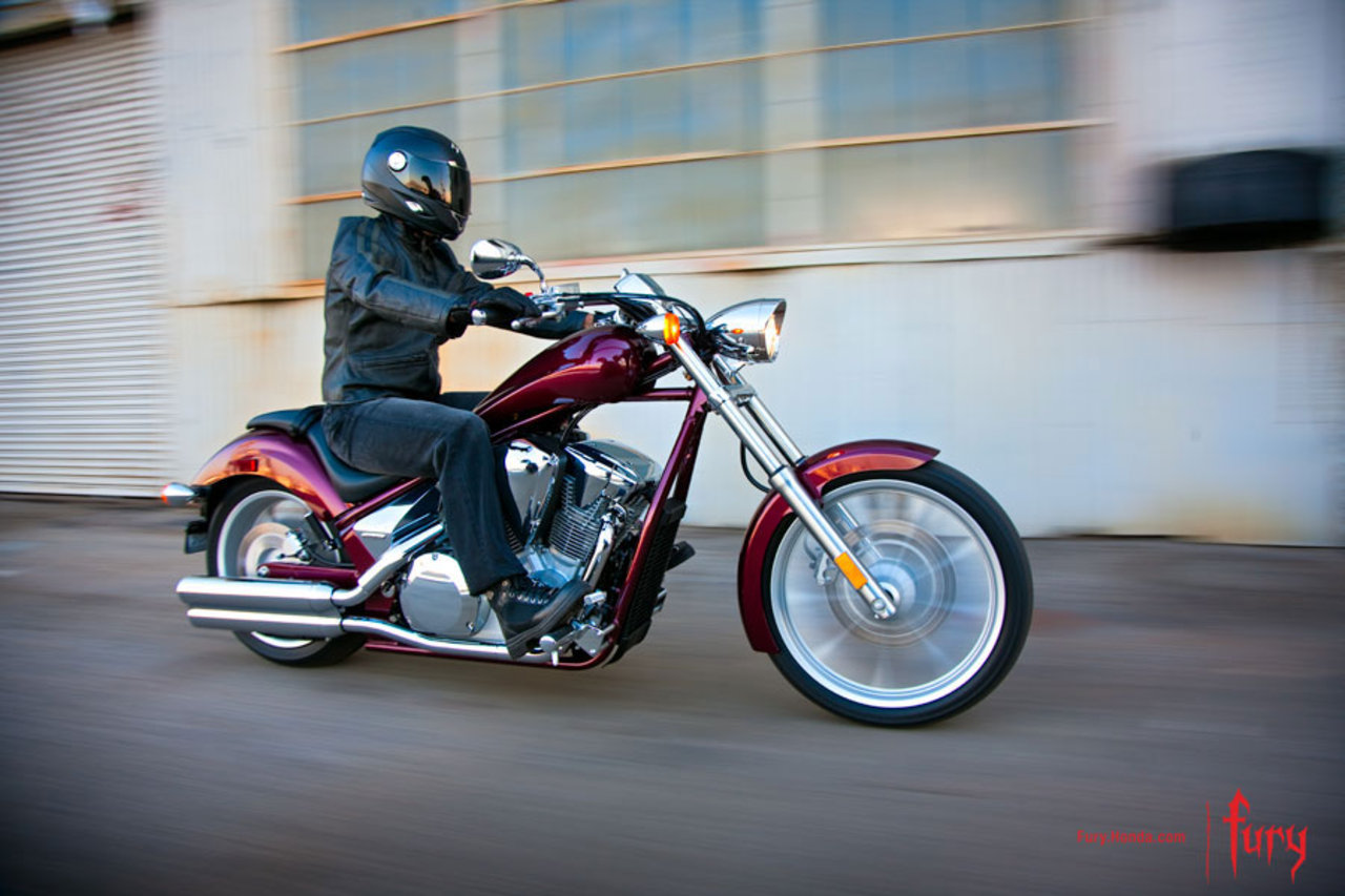 Listino Honda CB 650 F Naked Media - image 14746_honda-vt1300cx on http://moto.motori.net