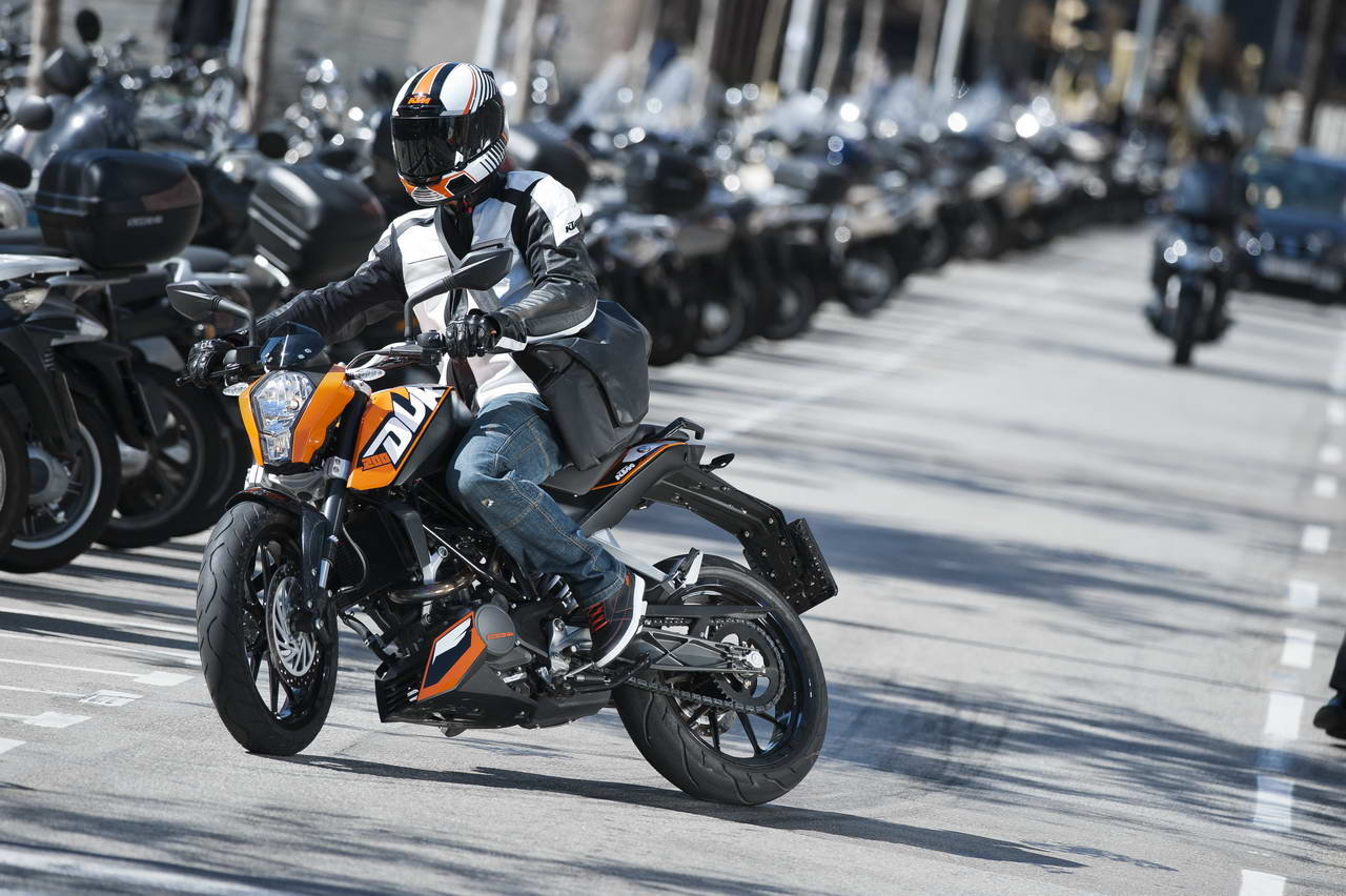 Listino Ktm EXC-F 250 SIX DAYS Fuoristrada - image 14793_ktm-duke200 on http://moto.motori.net
