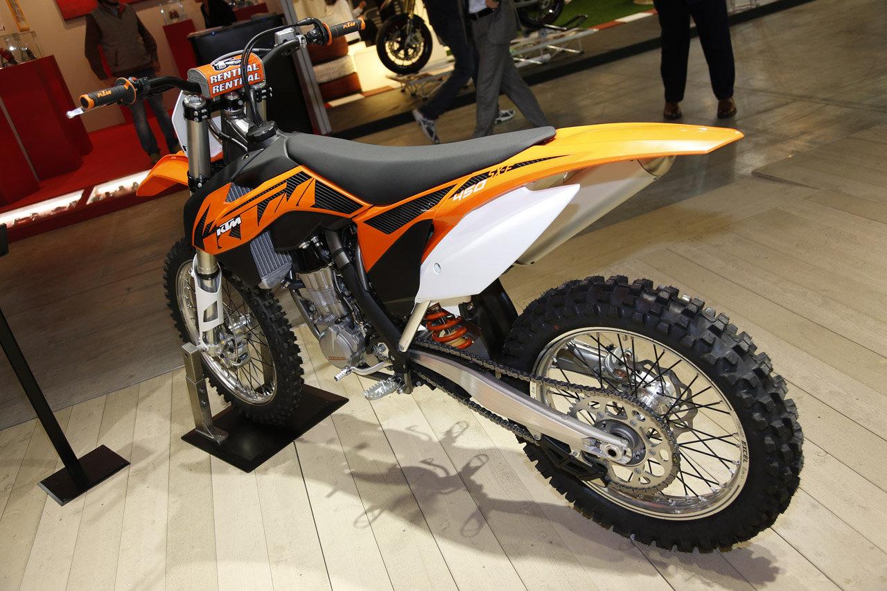Listino Ktm EXC-F 250 SIX DAYS Fuoristrada - image 14796_ktm-duke690-r on http://moto.motori.net