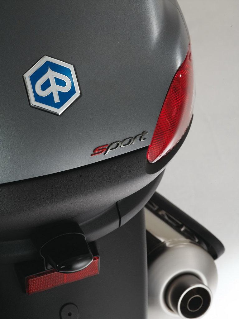 Listino Piaggio Beverly Sport Touring 350 ie Scooter oltre 300 - image 15124_piaggio-mp3500-ie-sport-lt on http://moto.motori.net