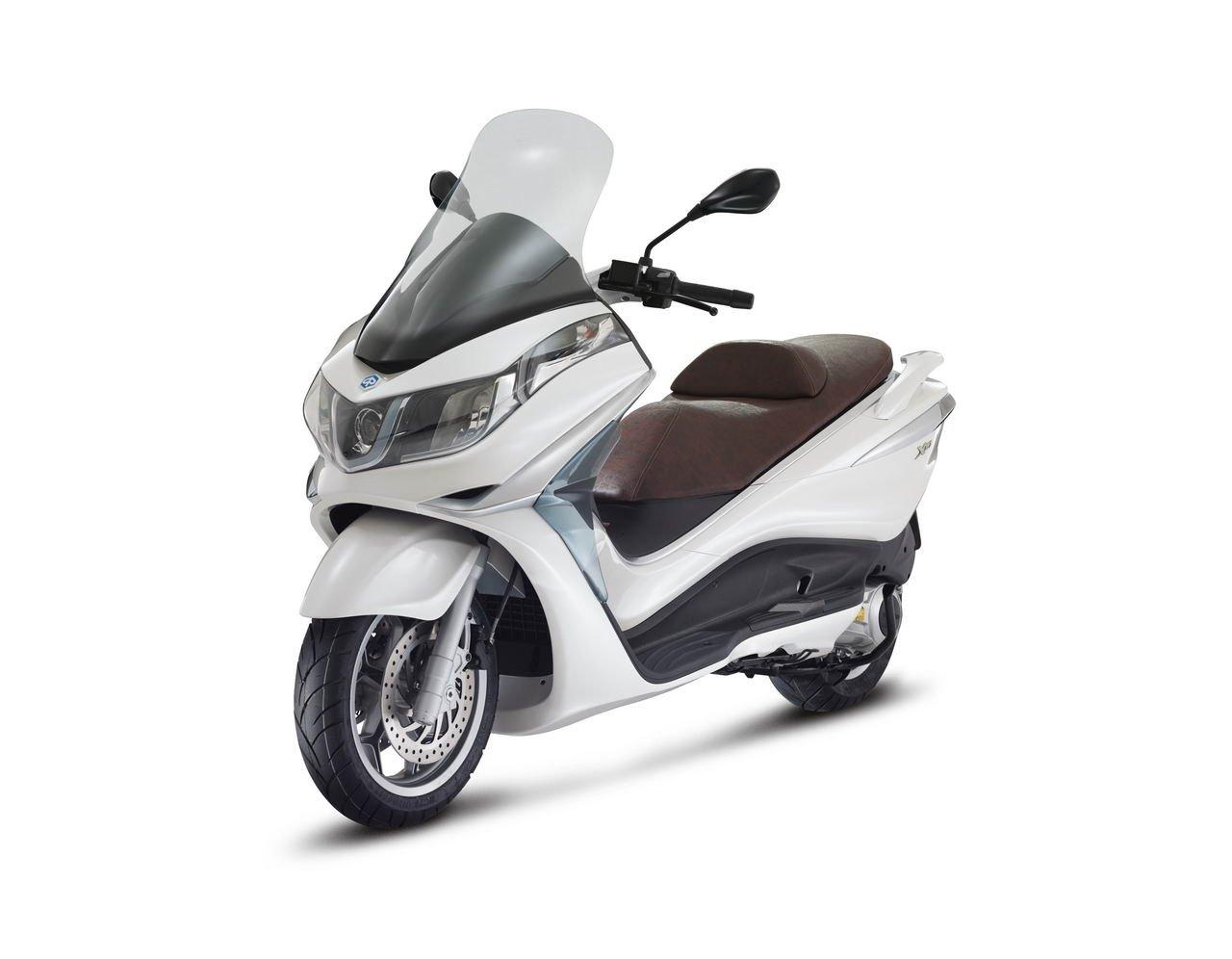Listino Piaggio Liberty 50 2T Teens Scooter 50 - image 15139_piaggio-x10-125 on http://moto.motori.net