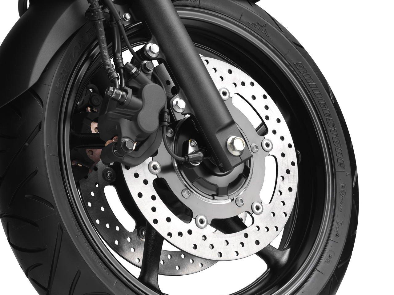 Listino Yamaha XJ 6 Naked Media - Moto.Motori.Net